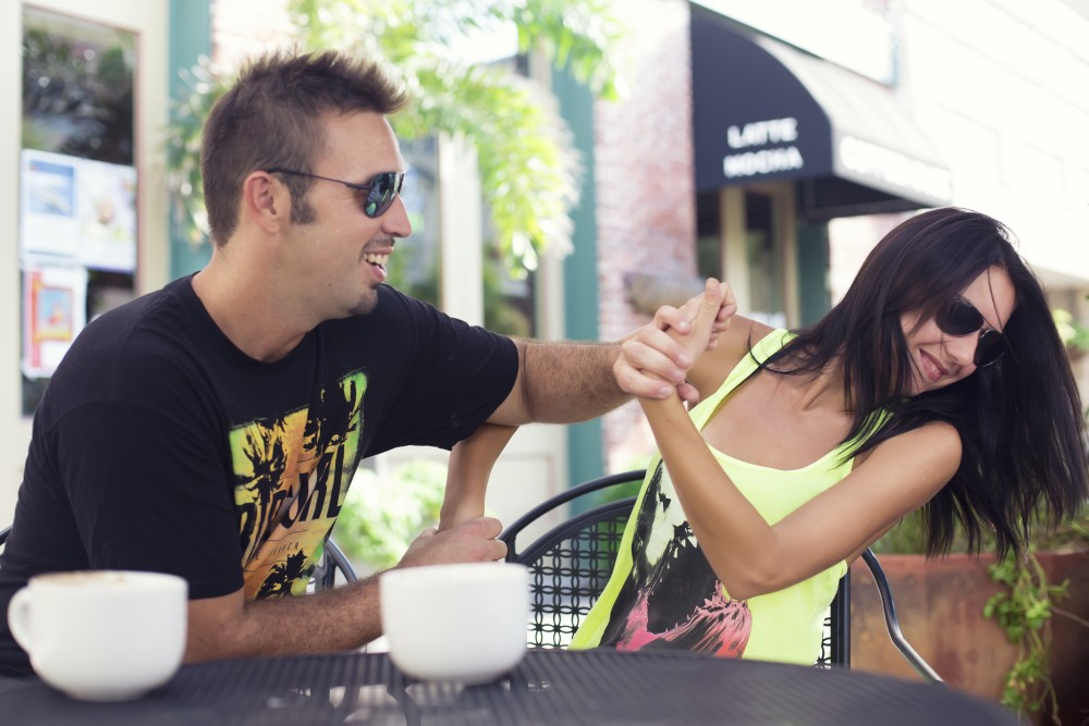 The Warning Signs That Your Ex Boyfriend Wants You Back